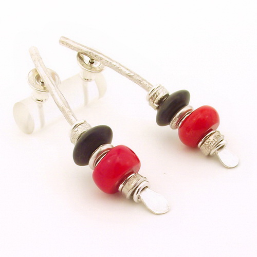 Black onyx & red sea bamboo earrings silver medium arc shape