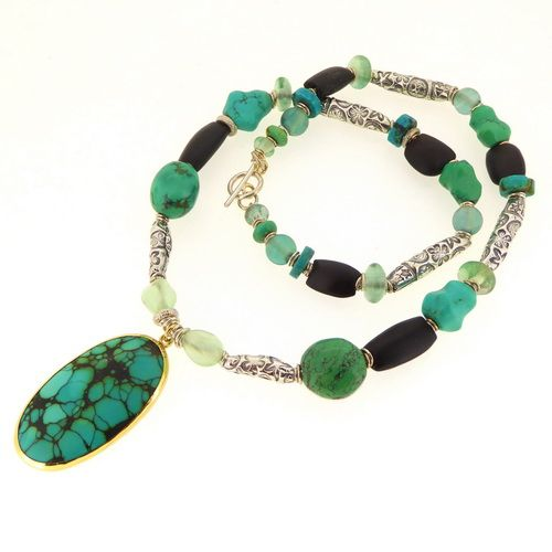 Special turquoise cabochon necklace